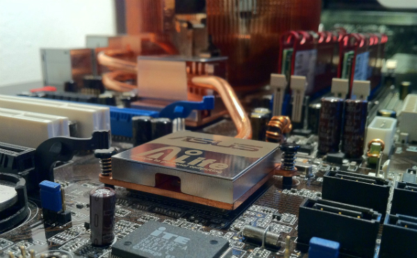 パソコンパーツを買取ってもらう際の注意点1(CPU、ビデオボード、マザーボード編)